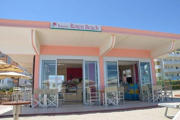 Bar Rosen Beach